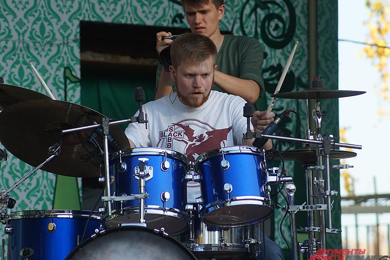 Музыкальная акция собрала как начинающих музыкантов, так и более опытных мастеров своего дела.