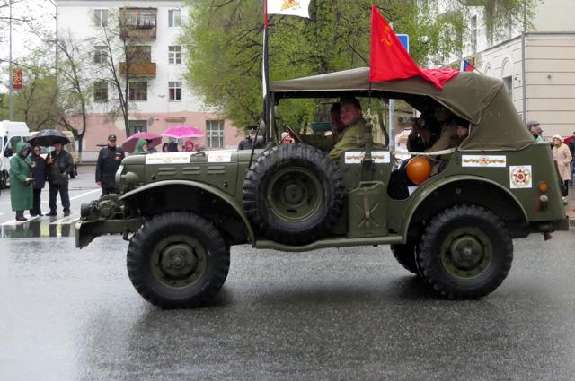 День победы, военная машина