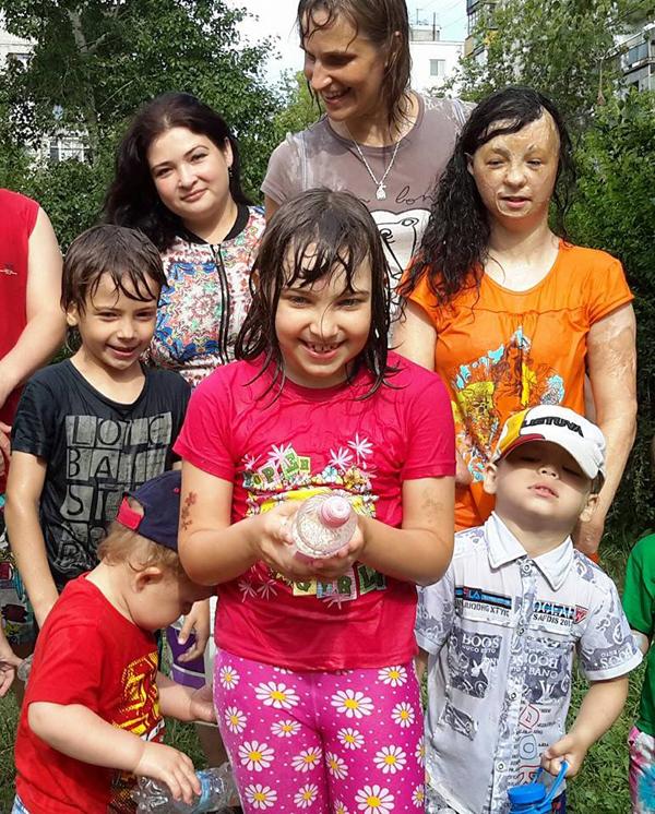 Для Татьяны нет родных или неродных детей - все её. Фото из архива Фалиных.
