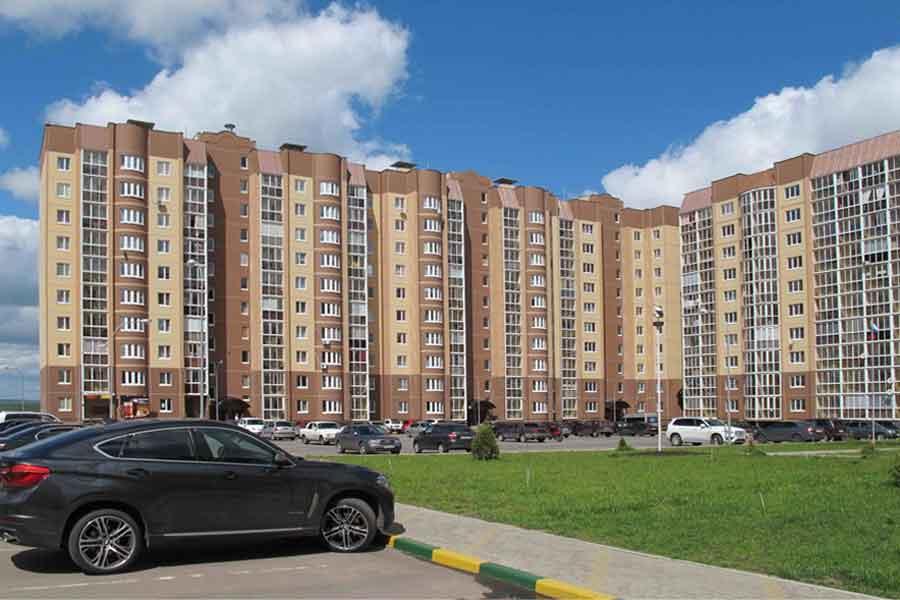 В микрорайоне «Ласточкино» жильцы аварийных домов получили порядка 600 квартир.