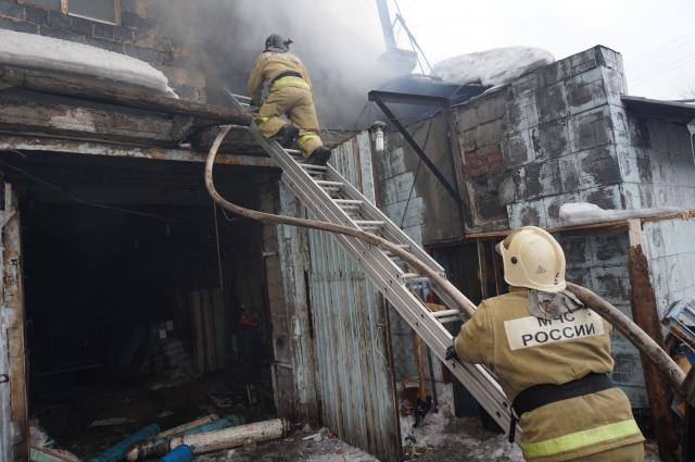 Очень часто причиной пожара становится неисправная печь в частном доме.