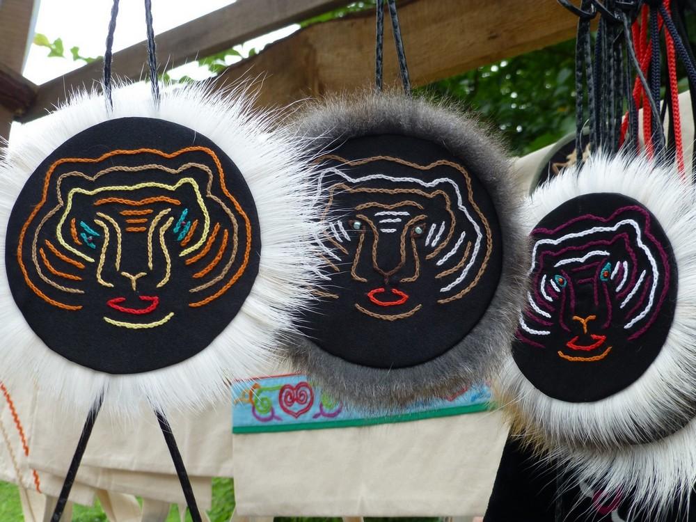В работе и в художественном промысле тигр - главный символ