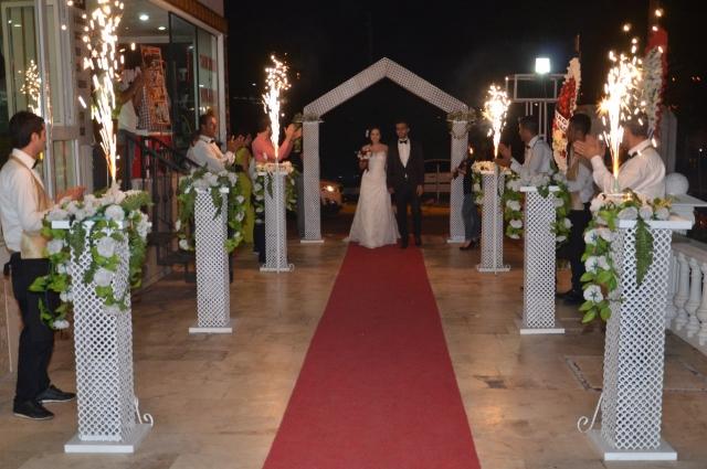 На турецких свадьбах не принято пить алкоголь.