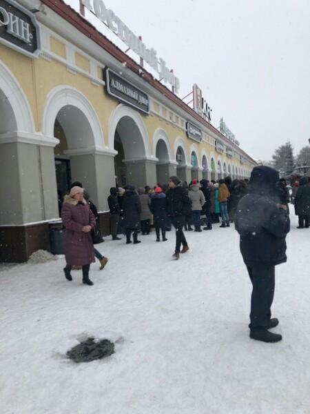 Эвакуация в Гостином дворе