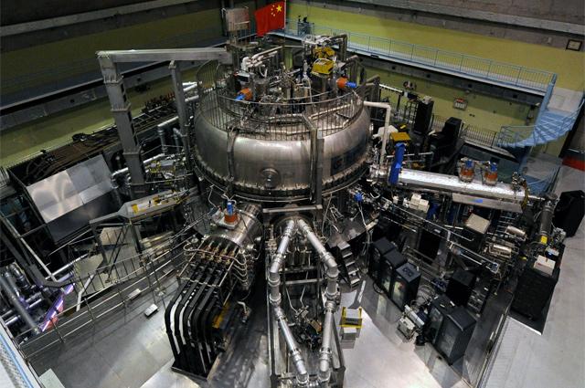 Термоядерный реактор EAST.