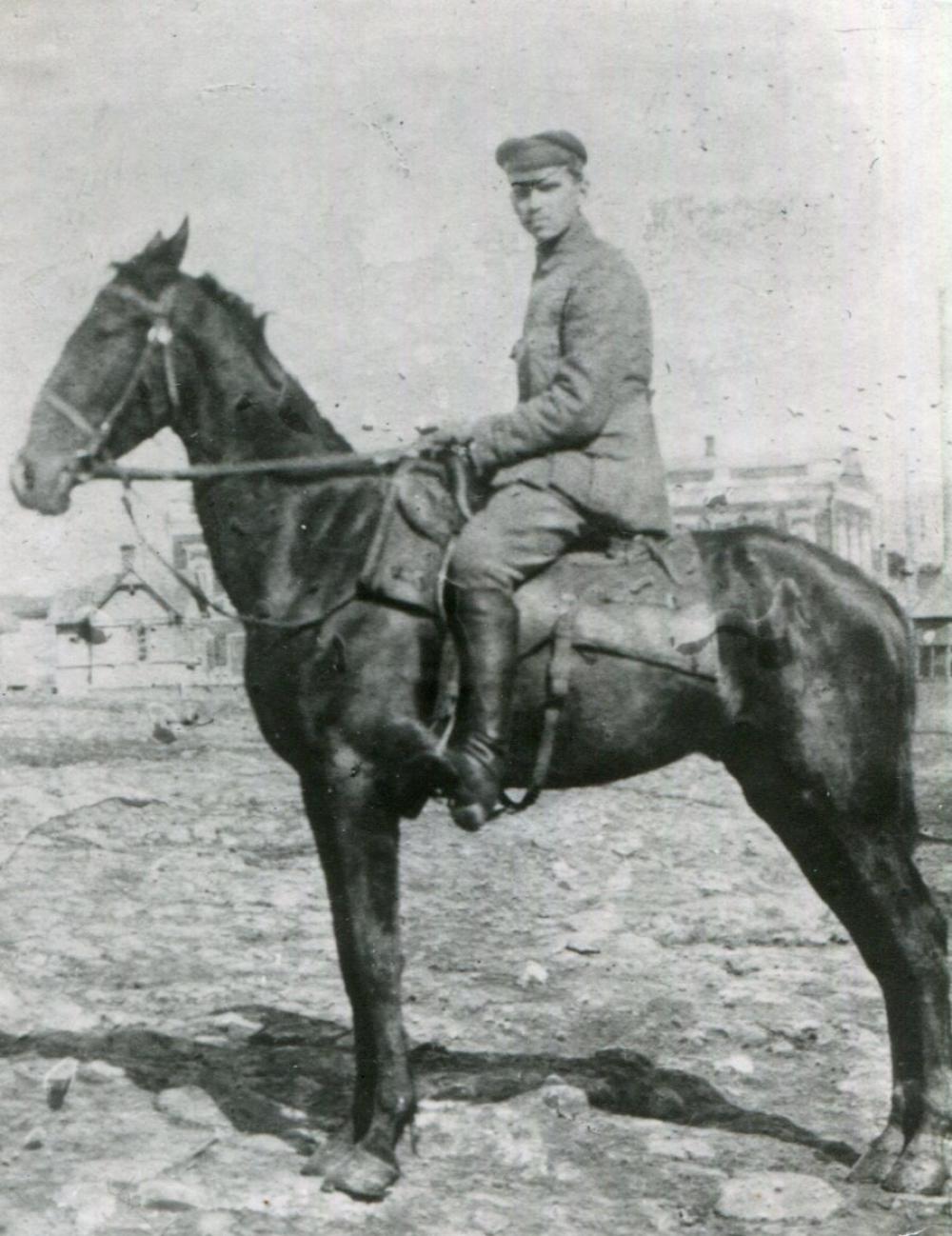 Пётр Петрович Зутис на Восточной фронте, 1919 год.