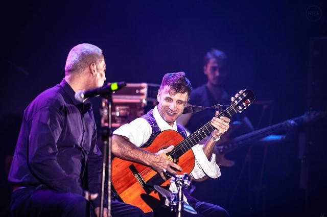 На премии NCA Saint Petersburg Music Awards выступили, как опытные артисты, так и молодые, которые только учатся.