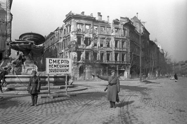 Столица Венгрии в руинах. Восстанавливать будут за счет СССР