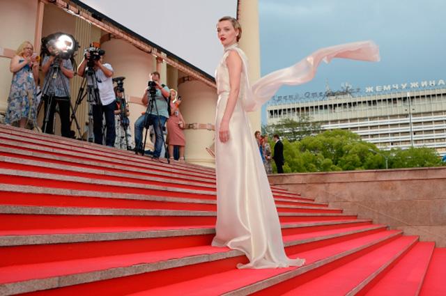 Екатерина Вилкова на церемонии закрытия 26-го Открытого Российского кинофестиваля Кинотавр в Сочи