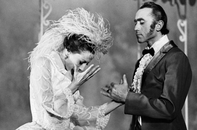 Майя Плисецкая в главной роли в фильме-балете «Анна Каренина». 1974 год