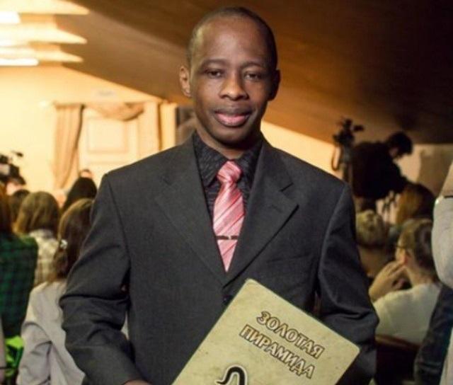 Давид Курума - ведущий литературного ток-шоу.