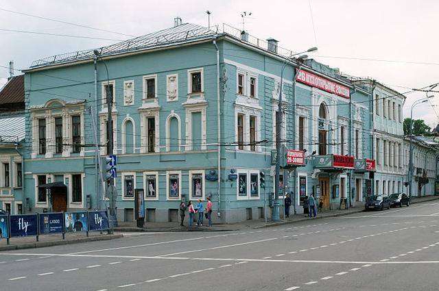 Театр Школа современной пьесы, ранее в этом здании располагался ресторан Эрмитаж