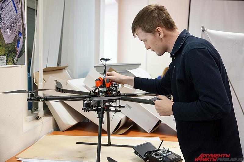 В будущем Илья Липин планирует усовершенствовать своего дрона, добавив автоматическую начинку.