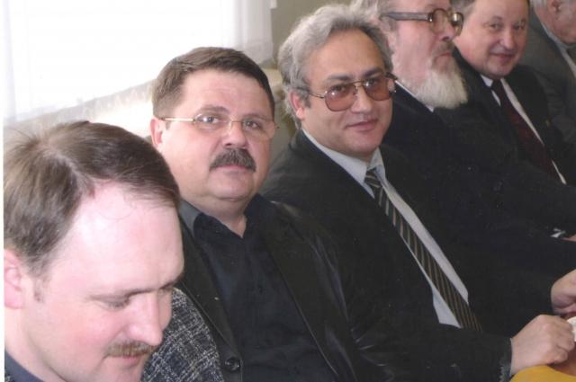 Александр Богомолов с коллегами.