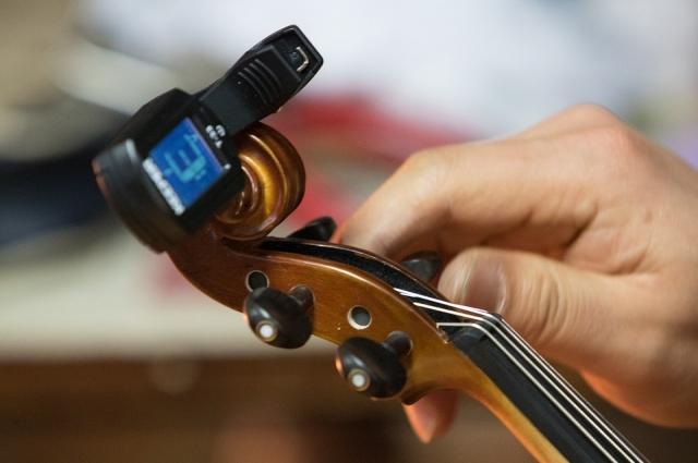 Ремонт скрипки.