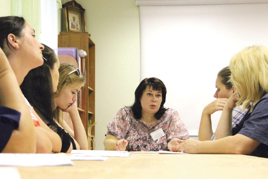 Молодые мамы могут получить профессиональную консультацию соцработника.
