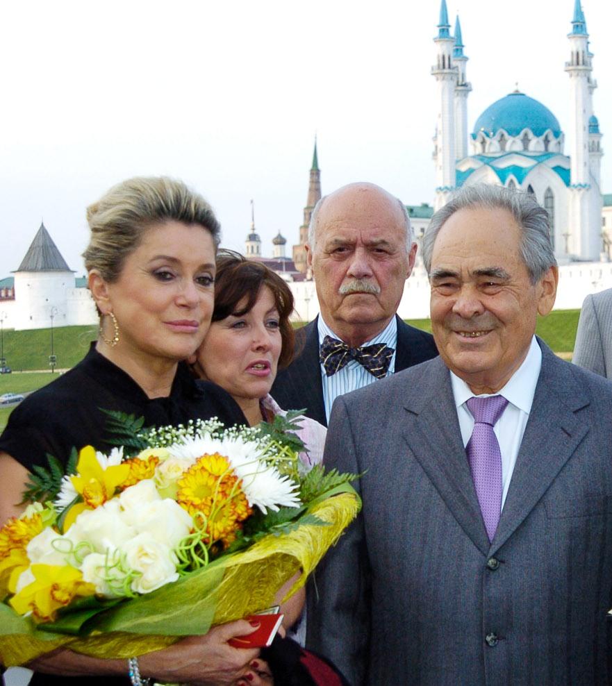 Катрин Денев была почетным гостем Международного фестиваля мусульманского кино в Казани.
