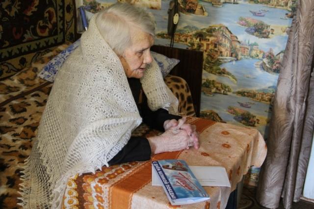 Участнице Великой Отечественной войны Антонине Александровне Карауловой на прошлой неделе исполнилось 97 лет.