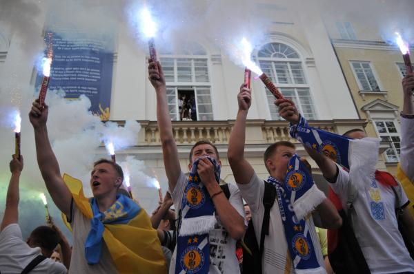 Украинские ультрас в Киеве.