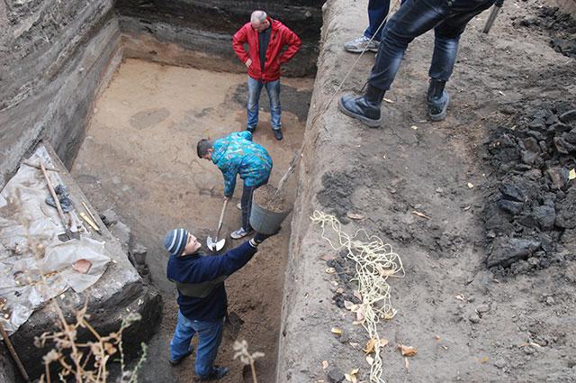 Раскопки на хлебной площади