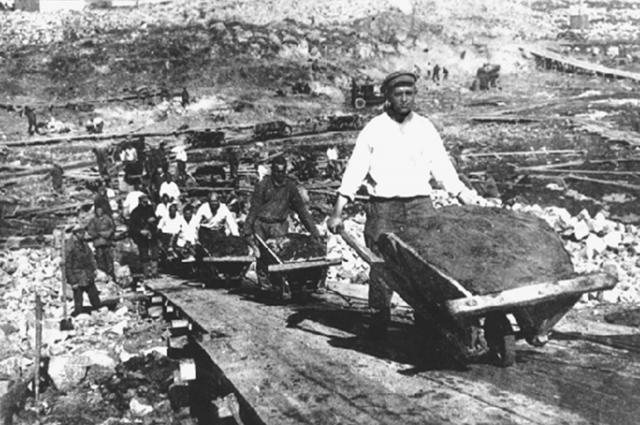 Ценой тысяч жизней построили Беломорканал.
