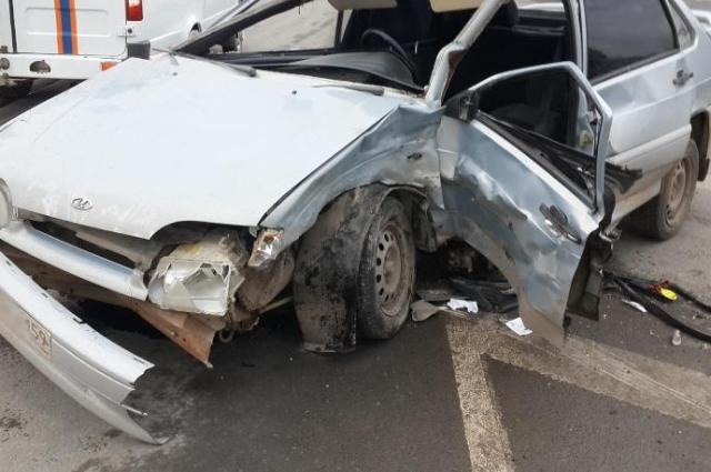 По предварительным данным водитель ВАЗа проехал перекрёсток на красный свет