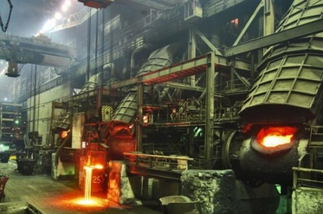 Завод остается единственным производством в поселке, а значит под угрозой оказались все светлинцы.
