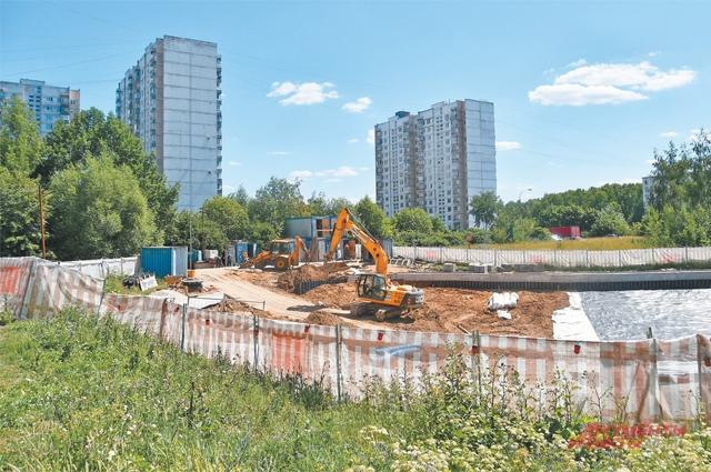 Капитальный ремонт территории вокруг Соловьиного пруда будет закончен к 1 августа.
