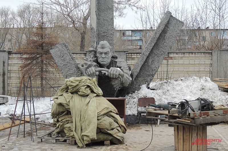 Памятник воинам-автомобилистам в Челябинске