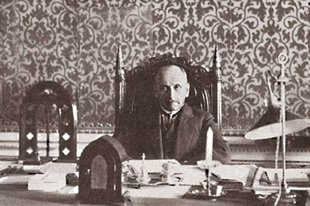 Сергей Сазонов на рабочем месте.