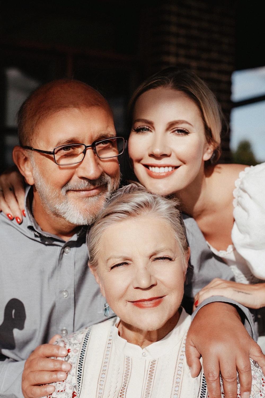 Елена Летучая с родителями.