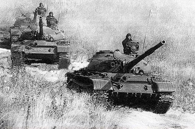 К острову Даманский выдвинулись два танковых взвода 152-го отдельного танкового батальона 135-й мотострелковой дивизии Дальневосточного военного округа. Март 1969 года