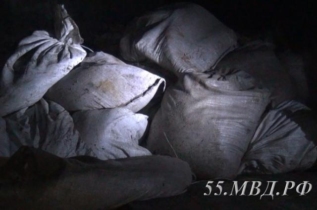 600 мешков рачков забрали грабители.