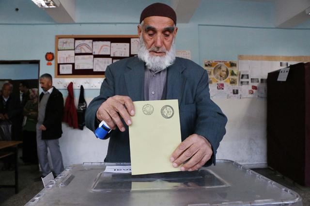 На референдуме в Турции.