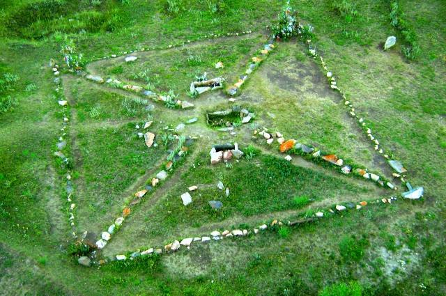 Вид памятника с высоты птичьего полета.