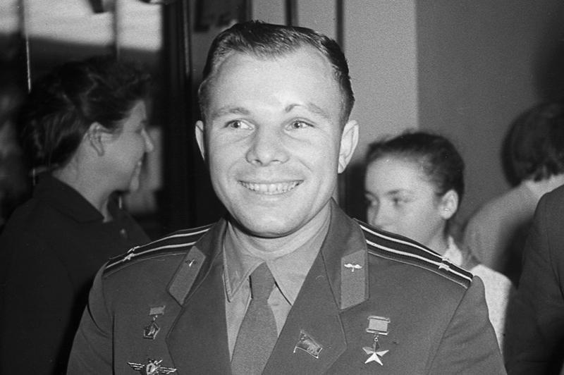 Чистосердечен. Чист душой и телом... Любимое слово - работать, - психологи о Гагарине в период его подготовки к полёту в космос