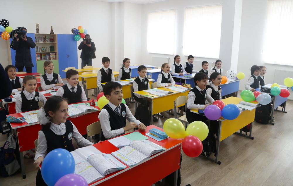 За последние годы построено 86 объектов образования.