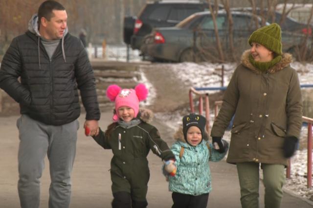Семья Липатовых займётся бизнесом. А еще дети теперь будут ходить в один детский сад.