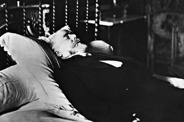Пол Думер на смертном одре, 1932.