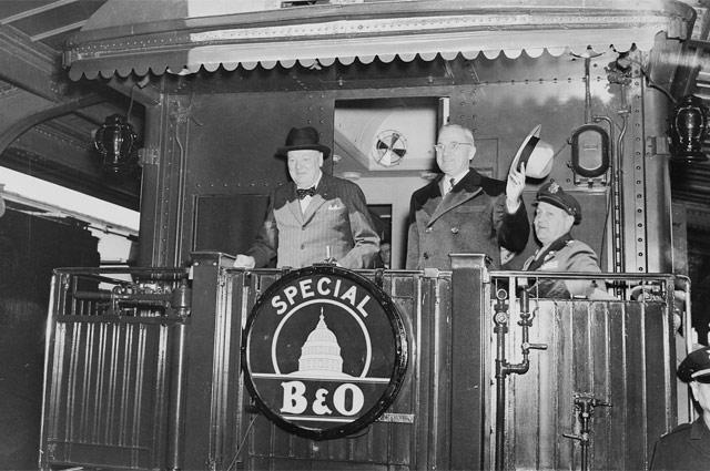 Черчилль и Трумэн отправляются в Фултон