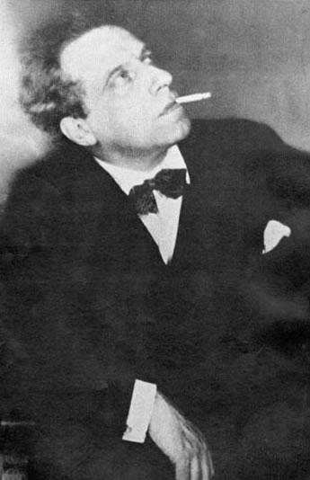 Вера Комиссаржевская пригласила в 1906 году на должность главного режиссера Всеволода Мейерхольда.