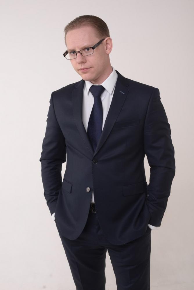 Дмитрий Ащепков, бизнес-тренер.