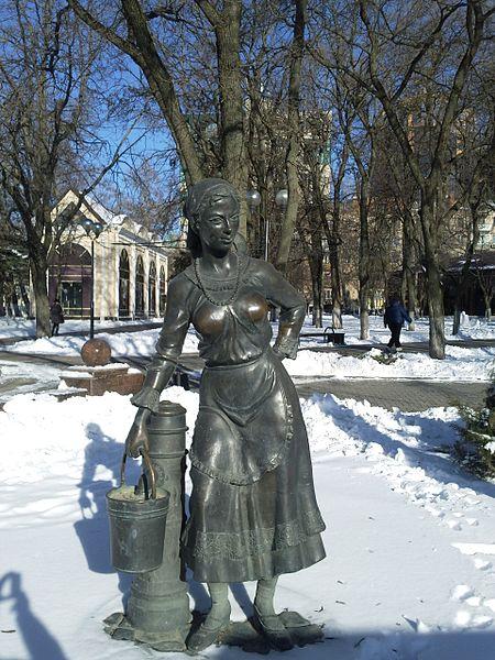 Важность городского водопровода подчёркнута открытием в нём бронзового памятника городскому водопроводу, установленного в Покровском сквере Ростова-на-Дону в ознаменование 140-летия Водоканала.