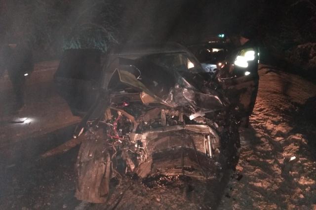 Водитель «ВАЗ-21101» выехал на встречную полосу, это и привело к трагедии.