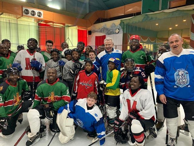 Вячеслав Фетисов со сборной Кении по хоккею.
