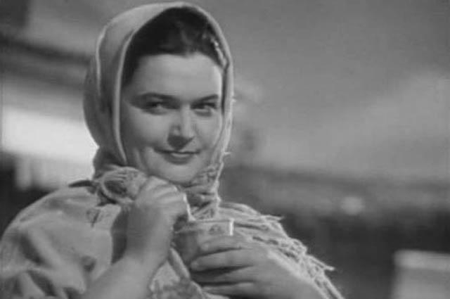 Эмма Цесарская в фильме «Бабы» (1940)