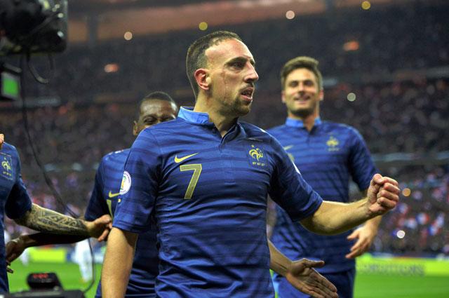 Франк Рибери отмечает гол за сборную Франции