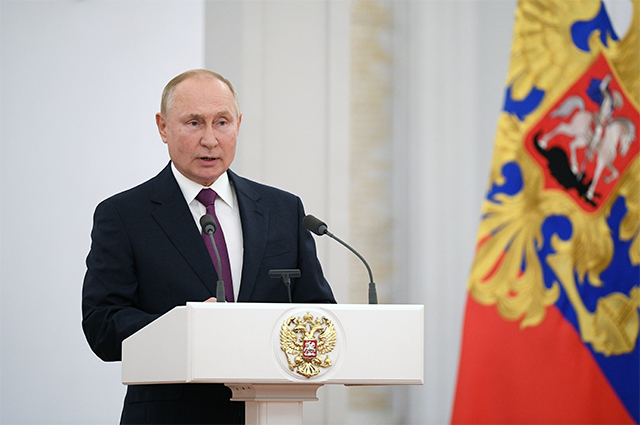 12 октября 2021. Президент РФ Владимир Путин выступает на встрече с депутатами Государственной Думы РФ восьмого созыва.