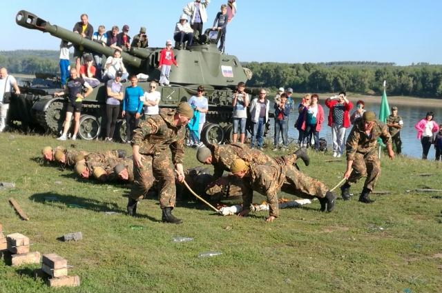 На крупных военно-патриотических мероприятиях юргинские военные всегда показывают своё мастерство.