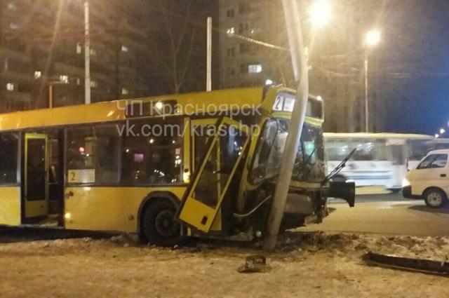 Люди уже побояться ездить в автобусах.